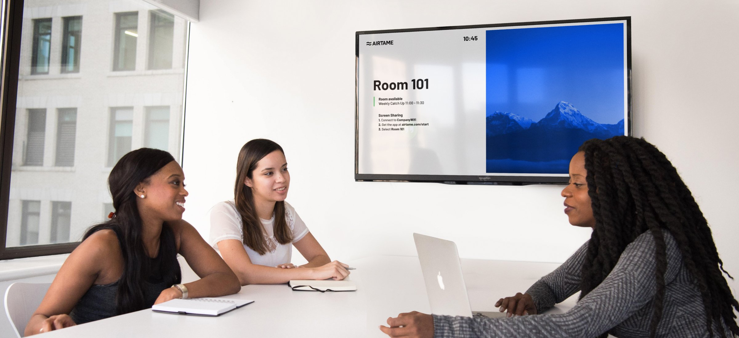 How digital signage can promote safety and awareness in meeting rooms